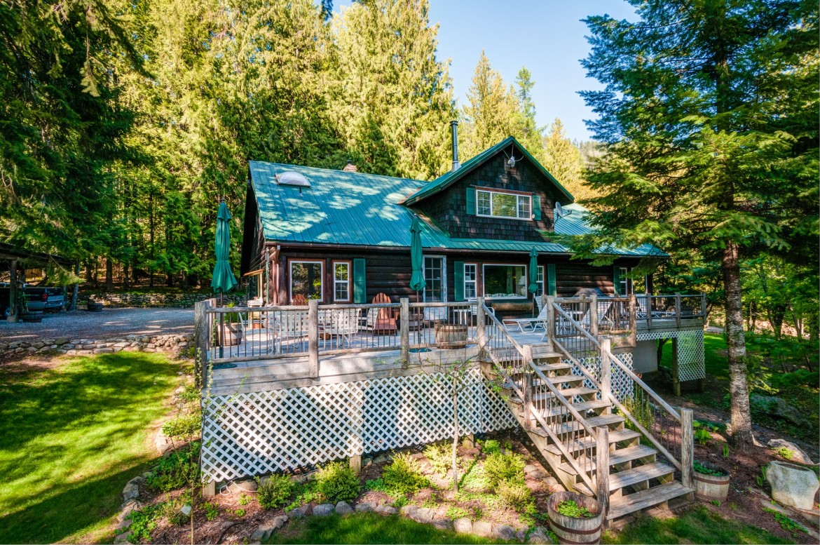 Historic lake view log home cindy bond for Storybook homes prices